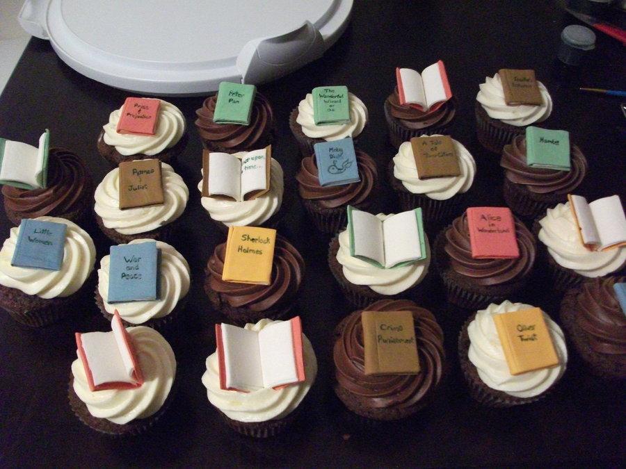 Book_Cupcakes_by_Nimhel
