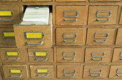 πα-αιό-αρχείο-με-τα-συρτάρια-34491364